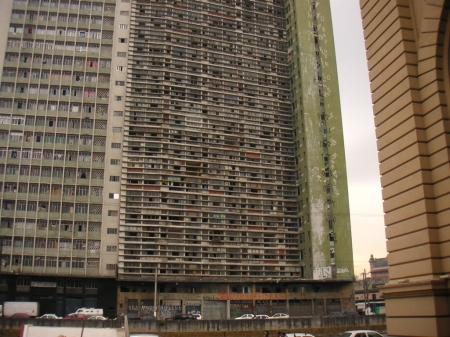 Vertical_favela_-_S%C3%A3o_Vito